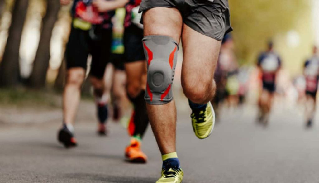 HOW TIGHT SHOULD COMPRESSION KNEE SLEEVES BE?